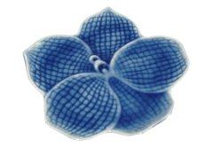 画像1: セラドン焼き お皿 花型 ブルー