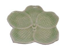 画像1: セラドン焼き お皿 花型 グリーン